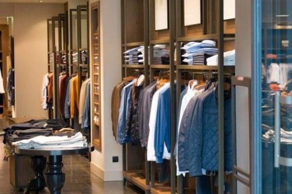 6808c81ec2327 تعرفوا على أغلى 10 علامات تجارية وماركات عالمية للملابس في العالم