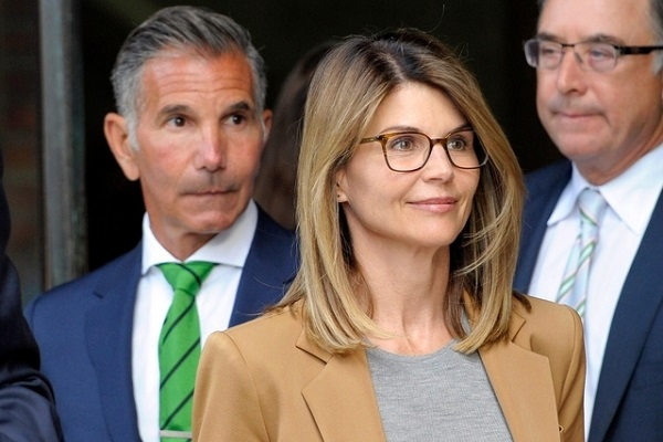 Scandale des admissions: L'actrice Lori Loughlin et son mari plaident coupables
