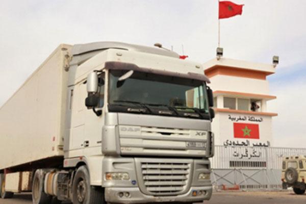 """الوضع في الكركرات هادئ وطبيعي وحركة المرور ما بين المغرب وموريتانيا وما بعدها """"غير مضطربة"""""""