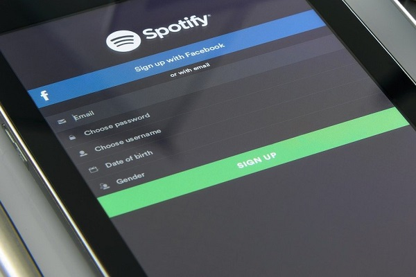 Spotify va ouvrir sa plateforme aux podcasts payants