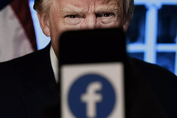 Facebook maintient l'interdiction du compte de Donald Trump